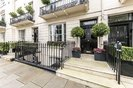 Properties to let in Chester Square - SW1W 9HH view2