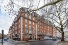 Properties to let in Grosvenor Square - W1K 3EP view1