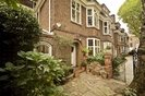 6 Bedrooms 3 Bathrooms short let house to rent in Petyt Place - SW3 5DJ view3