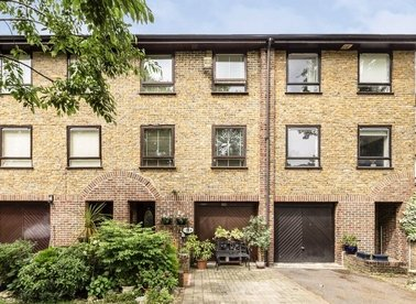 Properties for sale in Abinger Mews - W9 3SP view1
