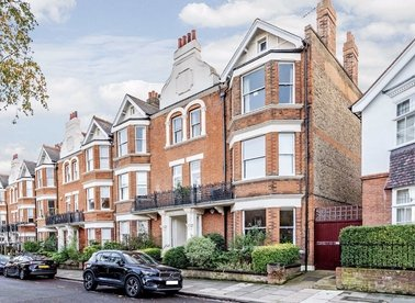 Properties for sale in Antrim Road - NW3 4XU view1
