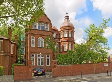 Properties for sale in Arkwright Road - NW3 6BH view1