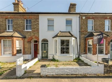 Properties for sale in Avenue Road - TW12 2BH view1