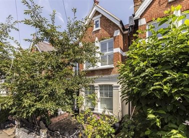 Properties for sale in Avondale Road - SW14 8PU view1