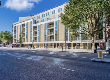 Properties for sale in Balham High Road - SW17 7AN view1