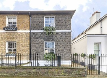 Properties for sale in Barnsbury Square - N1 1JL view1