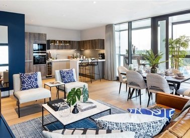 Properties for sale in Battersea Park Road - SW8 4LR view1