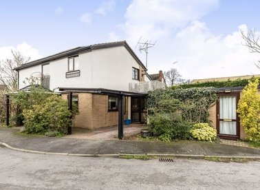Properties for sale in Beech Close - TW16 5PY view1