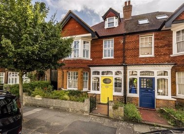 Properties for sale in Beechwood Avenue - TW9 4DD view1