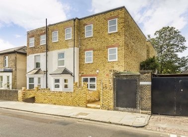 Properties for sale in Boston Road - W7 2ET view1