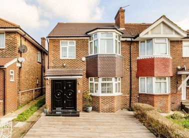Properties for sale in Bowes Road - W3 7AD view1
