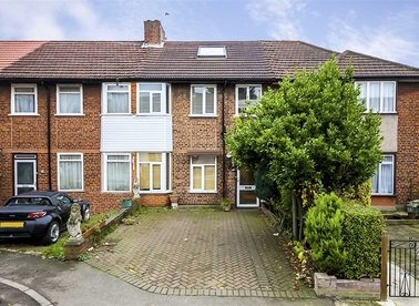 Properties for sale in Braid Avenue - W3 7TU view1