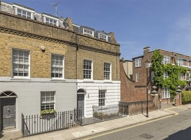 Properties for sale in Britten Street - SW3 3TU view1