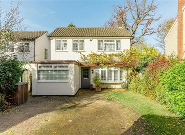 Properties for sale in Broad Lane - TW12 3BG view1