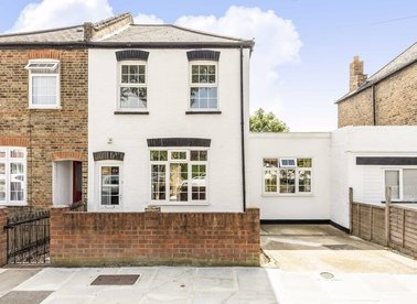 Properties for sale in Broad Lane - TW12 3BX view1