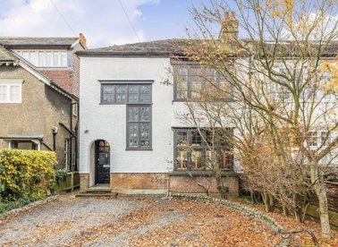 Properties for sale in Broad Lane - TW12 3AL view1