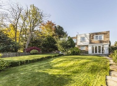 Broom Park, Teddington, TW11
