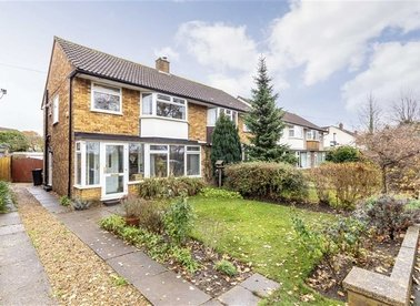 Properties for sale in Buckingham Road - TW12 3JX view1