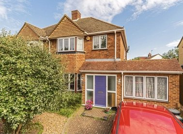 Properties for sale in Buckingham Road - TW12 3JR view1