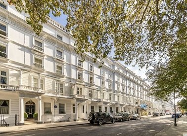 Properties for sale in Cadogan Place - SW1X 9RU view1