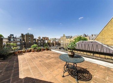 Properties for sale in Cadogan Square - SW1X 0JL view1