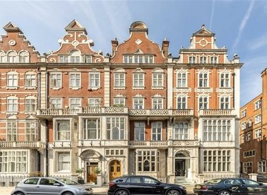 Properties for sale in Cadogan Square - SW1X 0JH view1
