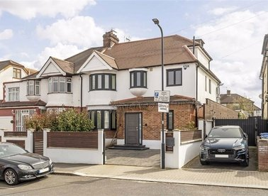 Cairnfield Avenue, London, NW2