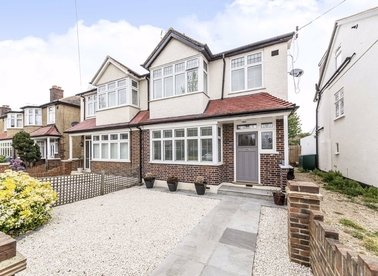 Properties for sale in Cambridge Road - TW12 2JL view1