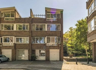 Properties for sale in Cambridge Square - W2 2PS view1