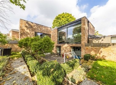 Properties for sale in Castle Close - SW19 5NH view1