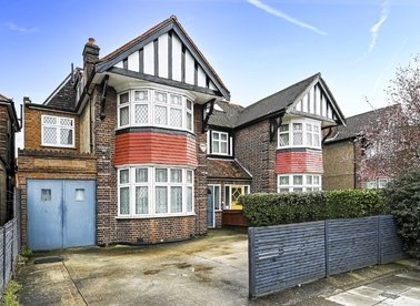 Properties for sale in Chamberlayne Road - NW10 3NX view1