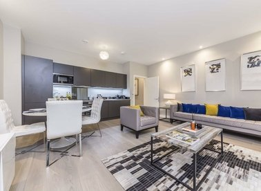 Properties for sale in Chatfield Road - SW11 3GQ view1