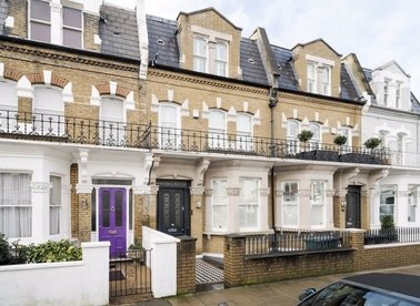 Properties for sale in Chesilton Road - SW6 5AB view1