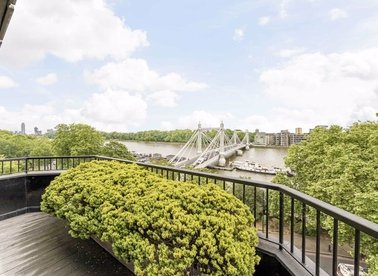 Properties for sale in Cheyne Walk - SW3 5HN view1