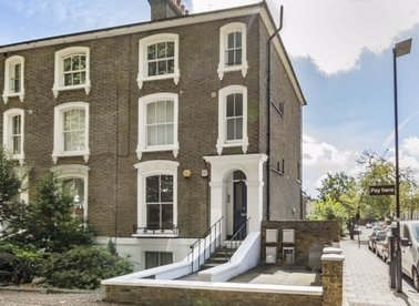 Properties for sale in Chiswick High Road - W4 4AU view1