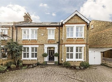 Properties sold in Clarence Road - TW11 0BW view1