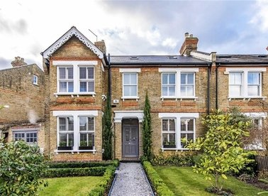 Properties for sale in Clarence Road - TW11 0BW view1