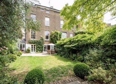 Properties for sale in Clarendon Road - W11 4JD view1
