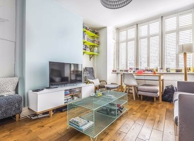 Properties for sale in Clifford Gardens - NW10 5JB view1