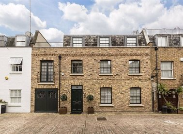 Properties for sale in Coleherne Mews - SW10 9EA view1