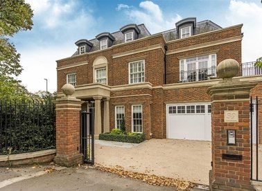 Properties for sale in Copse Hill - SW20 0NJ view1