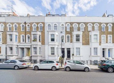Properties for sale in Cornwall Crescent - W11 1PH view1