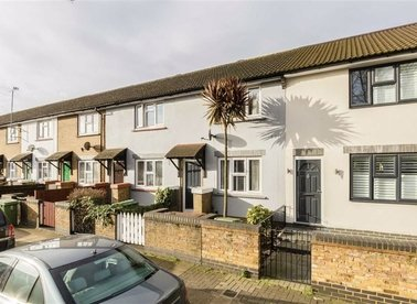 Properties for sale in Cranswick Road - SE16 3BH view1