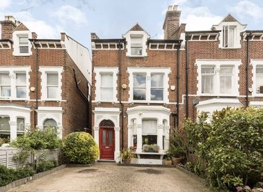 Properties for sale in Cromwell Avenue - N6 5HN view1