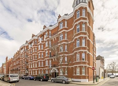 Properties for sale in Culford Gardens - SW3 2SS view1