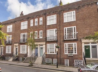 Properties for sale in De Walden Street - W1G 8RN view1