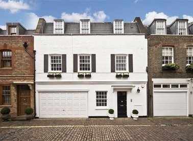 Properties for sale in Devonshire Close - W1G 7BA view1