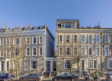 Properties for sale in Eardley Crescent - SW5 9JZ view1