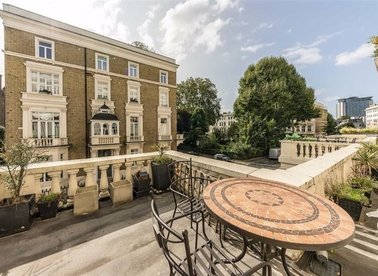 Properties for sale in Earl's Court Square - SW5 9BY view1