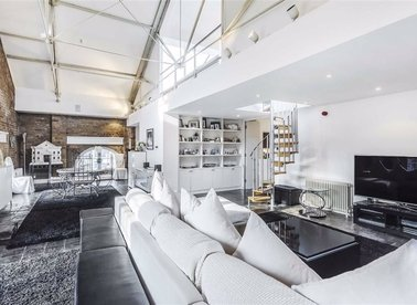 Properties for sale in East Smithfield - E1W 1AT view1